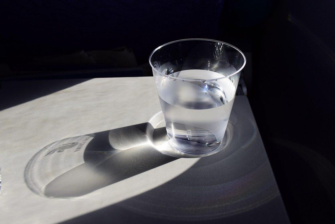 szklanka płynu